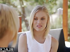 Blonde Blowjob Cumshot Interracial Threesome