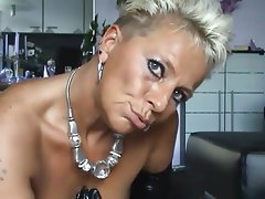 Amateur German Mature MILF Squirt