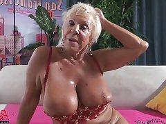Granny MILF Pornstar POV