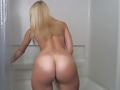Big Butts Blonde Close Up Masturbation