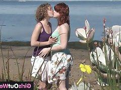 Amateur Cunnilingus Hairy Lesbian