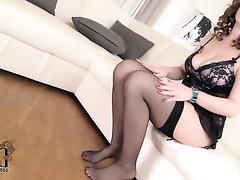 Babe Big Tits Ebony Feet
