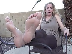 Amateur Foot Fetish Mature MILF