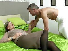 Hairy Granny Mature MILF Old and Young