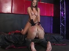 Babe BDSM Mistress Strapon