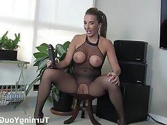 Babe BDSM Femdom Strapon
