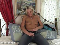 Amateur Masturbation MILF Softcore