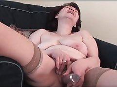 Brunette Granny Masturbation