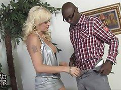 Babe Blowjob Cuckold Interracial