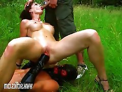 Amateur Fisting MILF Outdoor