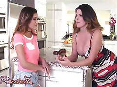 Babe Brunette Lesbian Kitchen