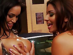 Lesbian Big Boobs Threesome Blonde Brunette