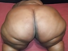 Amateur BBW Close Up Webcam Big Ass