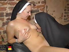 German Amateur Lesbian MILF