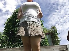 Amateur BBW Outdoor Pissing
