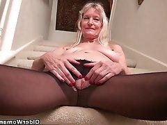 Mature MILF Granny Nylon