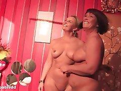 Lesbian Masturbation MILF German
