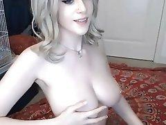 Webcam Babe Piercing