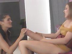 Cumshot Lesbian Strapon