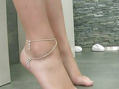 Brunette Foot Fetish Masturbation