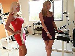 Blonde Blowjob Housewife MILF