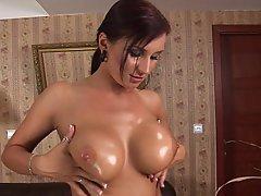 Babe Big Tits Boobs Brunette
