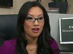 Blowjob Brunette MILF Pornstar