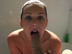 Amateur Babe Bathroom Big Tits