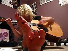 Amateur Babe Blonde Foot Fetish
