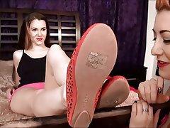 Amateur Brunette Foot Fetish Lesbian