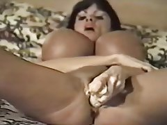 MILF Brunette Big Boobs Vintage