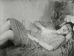 Masturbation MILF Vintage