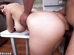 Babe Big Ass Big Tits Blowjob
