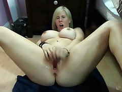 Amateur Blonde Big Boobs Squirt Webcam