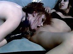 Cunnilingus Latex Lesbian