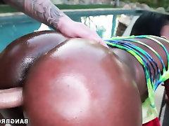 Amateur Babe Big Ass Big Tits