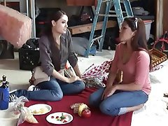 Asian Cunnilingus Lesbian Strapon