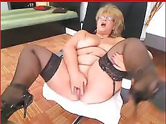 Amateur Mature Granny Masturbation Webcam