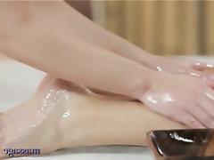 Babe Teen Masturbation Massage