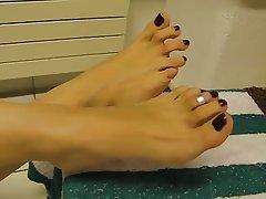 Foot Fetish Mature MILF