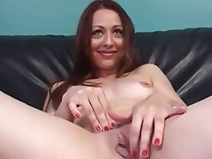 Amateur Brunette Close Up Masturbation
