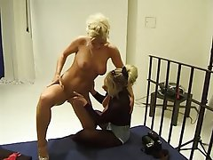 BDSM Lesbian