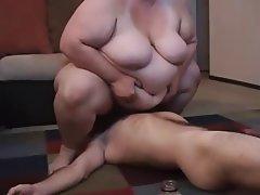 Amateur BBW Bisexual Cunnilingus