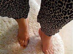 Foot Fetish Masturbation Mature MILF