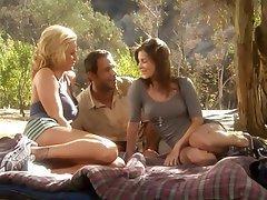 Hardcore Outdoor Threesome