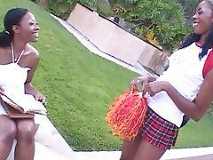 Cunnilingus Lesbian