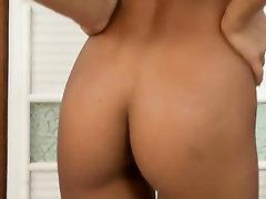 Babe Big Tits Feet Masturbation