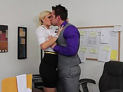 Hardcore Office MILF Secretary