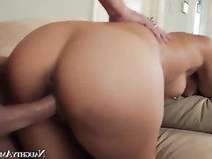 Babe Big Ass Big Cock Cumshot