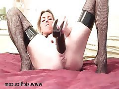 Amateur Blonde Masturbation MILF